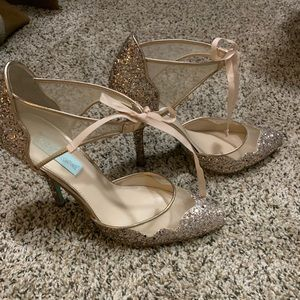 Betsy Johnson stela sparkle heels